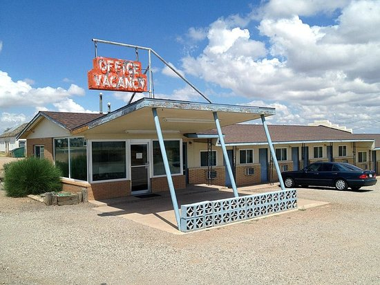La Mesa Motel : The office where you'll find Mike