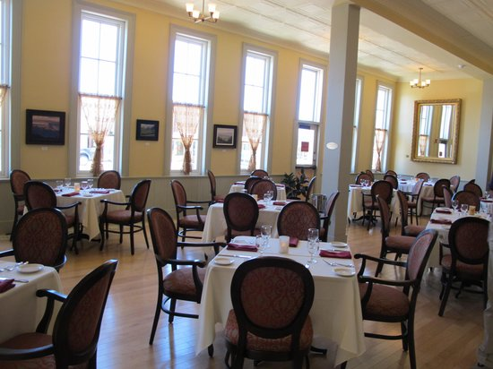 The Windsor Hotel : View of the Dining Room