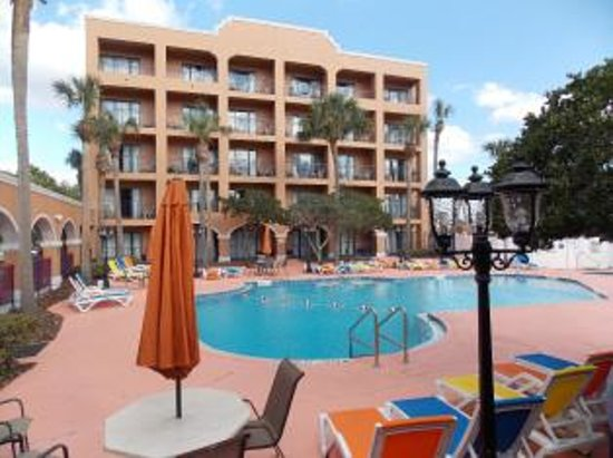 Ramada By Wyndham Kissimmee Downtown Hotel Pool View The Restaurant