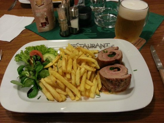 Palavska: Pork tenderloin stuffed with bacon, sundried tomatoes and spinach leaves