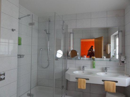 Wellnesshotel Auerhahn: salle de bain