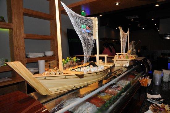 Kumo Japanese Steak House & Sushi Bar: All Aboard !