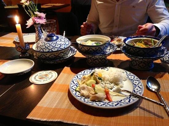 Suksan: grünes und rotes thaicurry