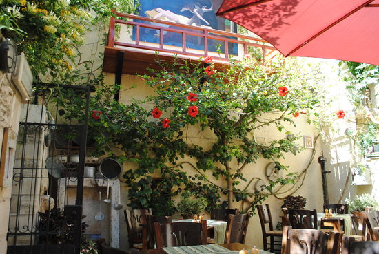Kriti Beach Hotel: a very nice resturant!!