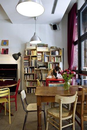 Ostello Bello: Hall - Photo by Guido Barbagelata