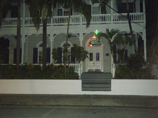 Marrero's Guest Mansion: Front of property