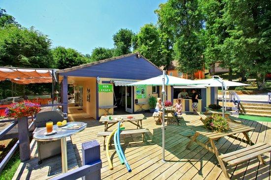 Le Club Vert Perigord: terrasse accueil