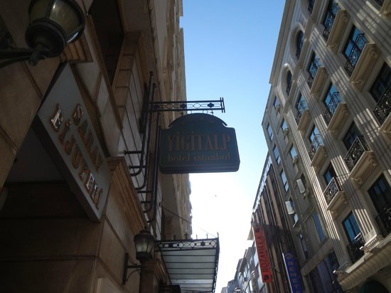 Yigitalp Hotel: ANUNCIO DEL HOTEL