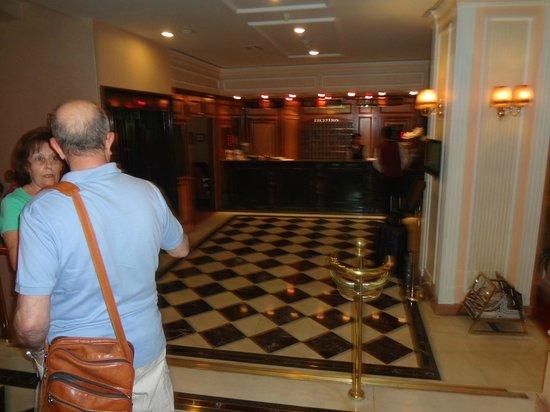 Yigitalp Hotel: RECEPCION HOTEL