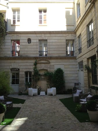 L'Hotel Particulier : Innenhof