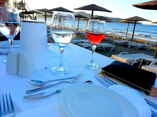 Santa Marina Plaza: a la carte at the beach