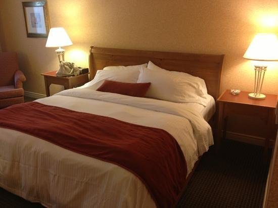 Delta Hotels by Marriott Barrington: comfortable bed