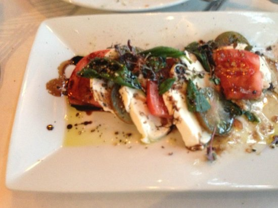 Scalo Northern Italian Grill : Caprese Salad