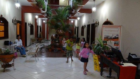 Hotel Real Camino Lenca: Viaje de Amigos!!!