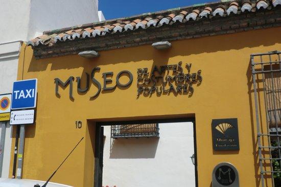 Museo de Artes y Costumbres Populares : Eingang