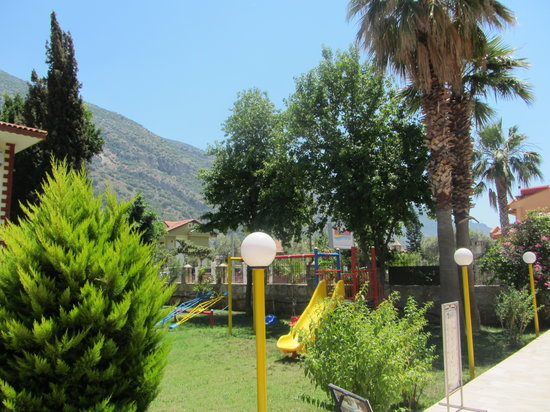 Hotel Oludeniz: garden/play area