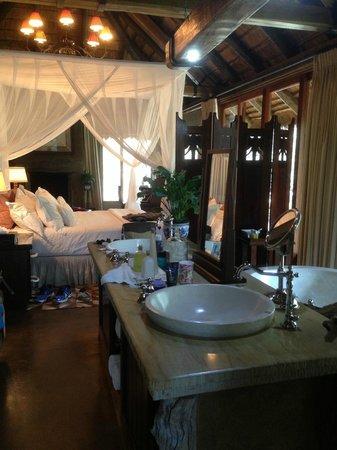 Camp Jabulani: Room