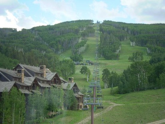 The Ritz-Carlton, Bachelor Gulch : View from our balcony up the mountain