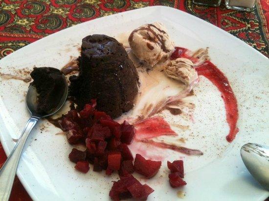 El Jardin de Ninette : Excelente pastel de chocolate
