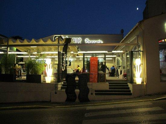 8ème Avenue Brasserie : vue extèrieure