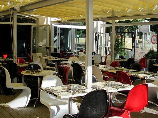 8ème Avenue Brasserie : la terrasse