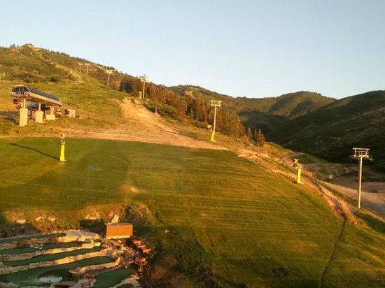 Grand Summit Hotel: View from Room