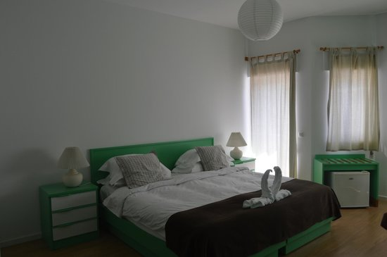 Casa Azul Sagres - Rooms & Apartments: vista desde la puerta