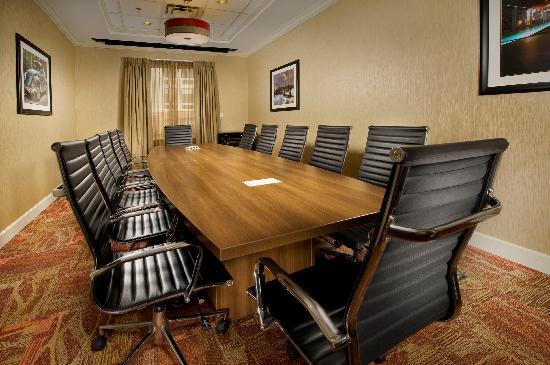 Hilton Garden Inn Chattanooga / Hamilton Place: Boardroom