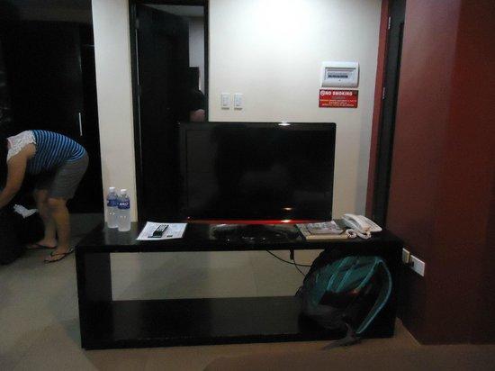 North Zen Basic Spaces: tv