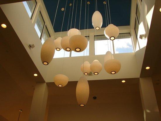 Hilton Garden Inn Nanuet: center chandelier