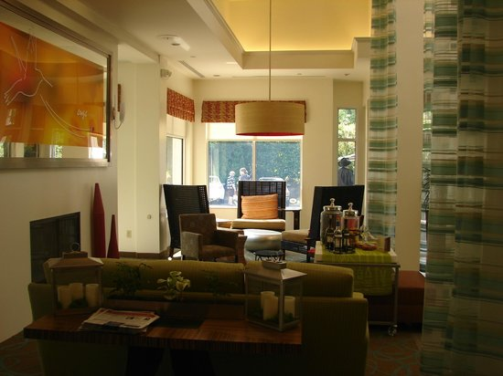 Hilton Garden Inn Nanuet: newly renovated lobby