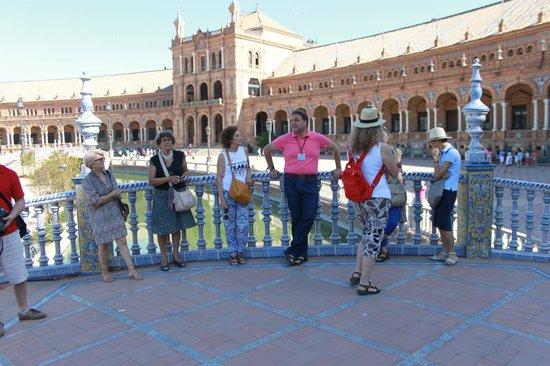 Manuel Blanca Guia Turistico de Sevilla -  Tours