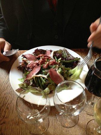 Le 14 Juillet : Entrée du jour : salade de gésiers. Excellente.