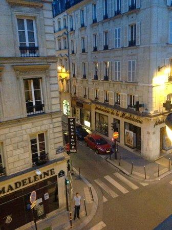 Hotel de l'Arcade : Dormitorio en esquina