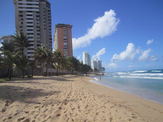 Doubletree by Hilton San Juan : beach nearby