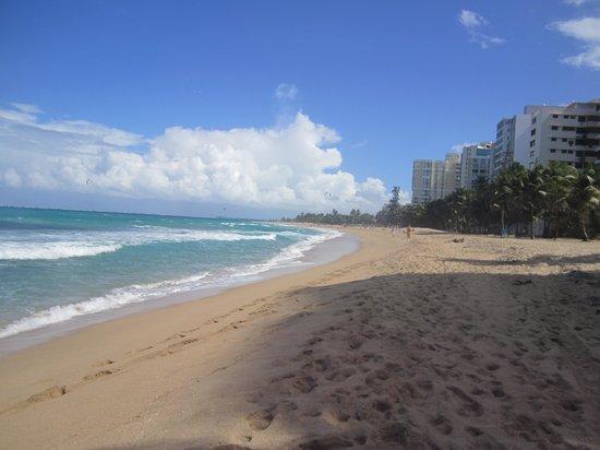 Doubletree by Hilton San Juan: beach 2
