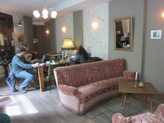 KRONE, kitchen & coffee: Relaxing area