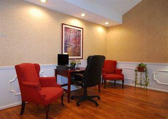 Quality Inn Scottsboro : Business Center