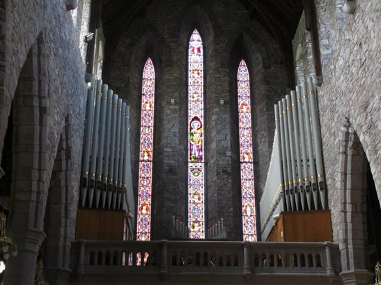 St. Mary's Cathedral : Pipe organ and back windows