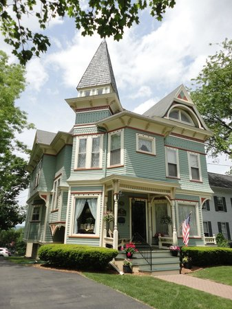 The Annabel Lee B&B Inn: The Annabel Lee B&B