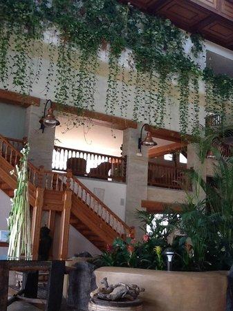Princesa Yaiza Suite Hotel Resort: Vista parcial del hall, amplísimo y luminoso