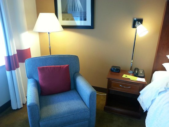 Four Points by Sheraton Houston Hobby Airport: Seating area