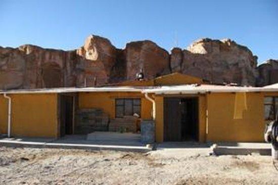 Hotel Jardines de Mallku Cueva: Façade de l'hôtel