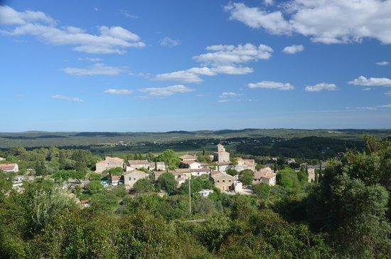 La Cazarelle : village