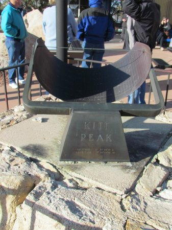 Kitt Peak National Observatory : sundial on Peak