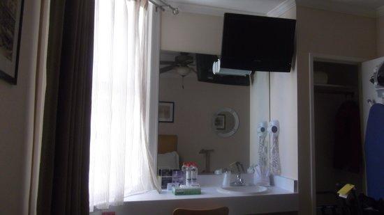 Hotel Stratford : Lavatorio en habitación