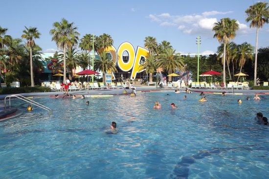 Disney's Pop Century Resort: Vista pileta