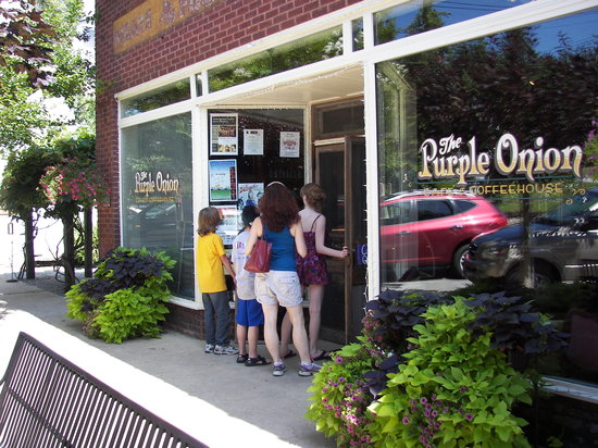 Saluda, NC: Great restaurants abound in this tiny town - take a stroll and choose your favorite.