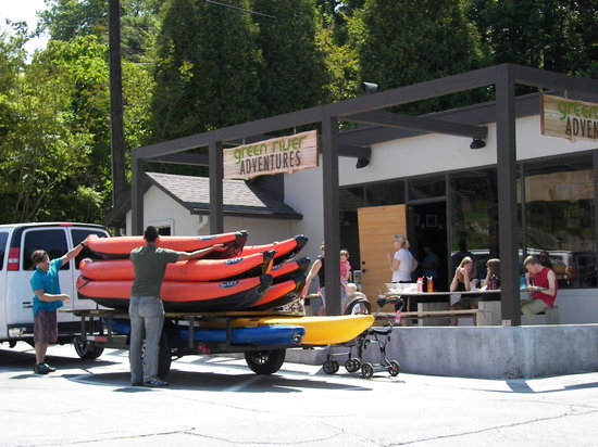 Saluda, NC: The Green River Adventures outpost is on Main Street - they offer guided inflatable kayaking tri