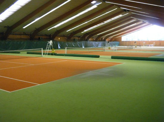 Geneve-Plage: Excelent tennis courts